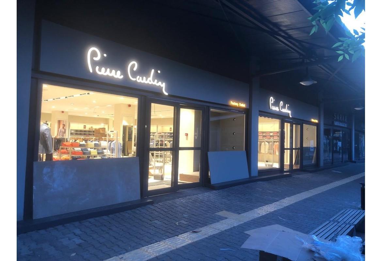 Izmit Outlet Center Pierre Cardin Mağazası